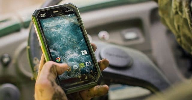 Pronti Allimpatto Gli Smartphone Più Resistenti Del 2017