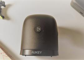 Ecco un piccolo speaker Aukey con un buon design a poco più di 20€
